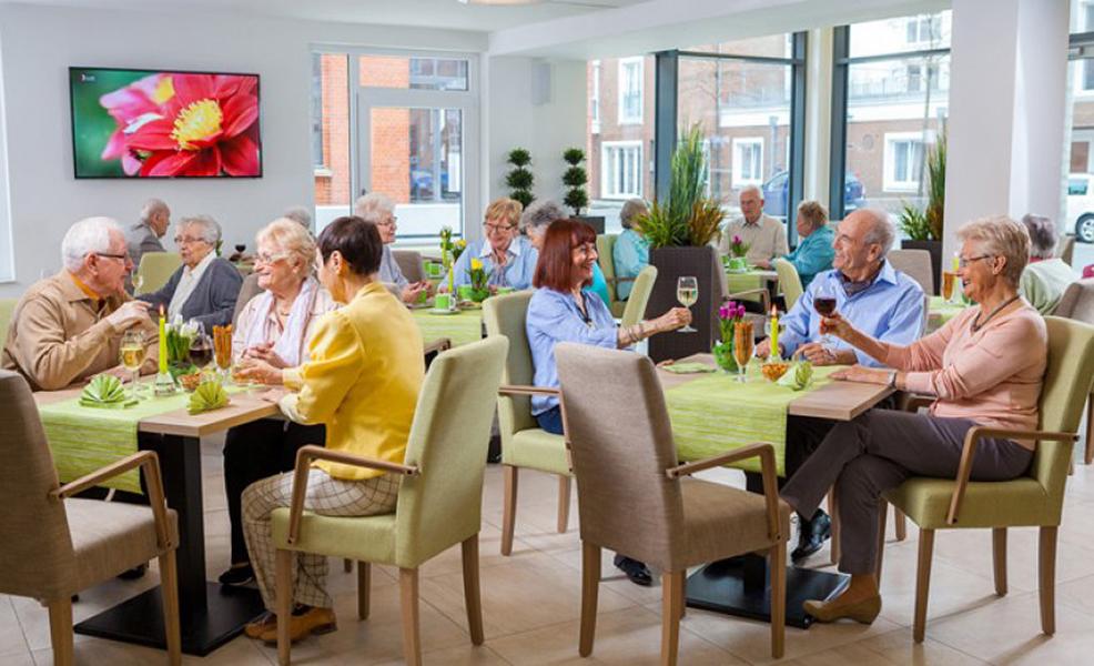 persönliche Assistenz und Pflege bei Bedarf im Alter